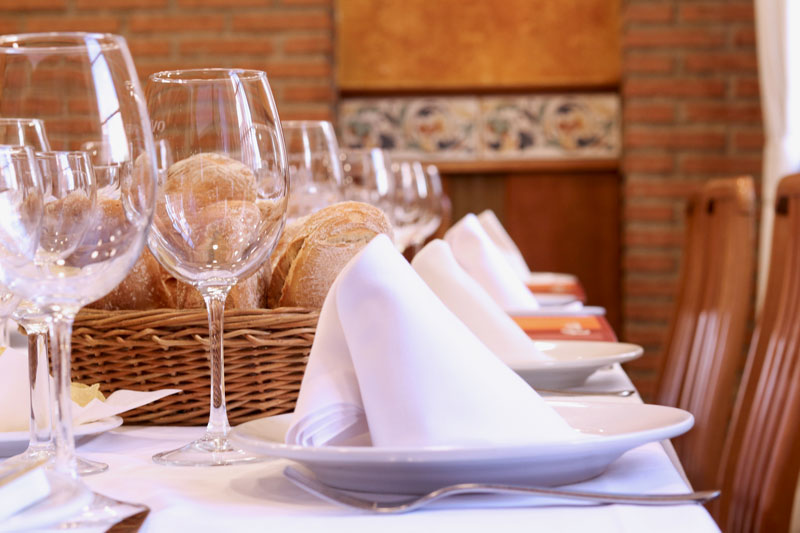 Mesa grande Restaurante Oviedo